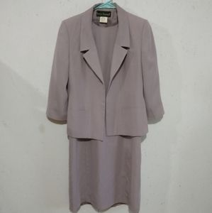 Harve benard dress suit size 6P